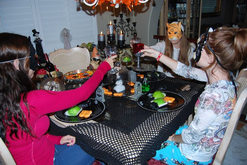 Halloween tea party 027