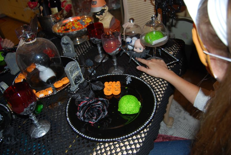 Halloween tea party 038